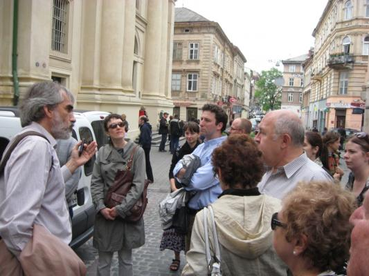 Forum participants touring Lviv with Yaroslav Hrytsak